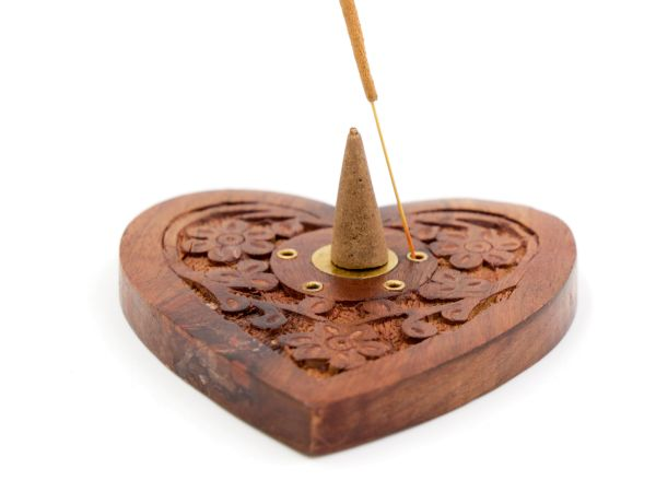 Incense cone holder heart made of sheesham wood with brass Ying & Yang
