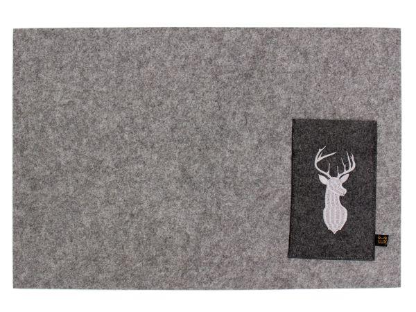 Platzmatten mit Bestecktasche und Hirsch Einstickung, 4er Set, graumeliert